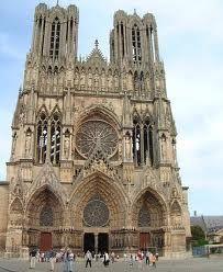 La Catedral de Nuestra Señora de Reims, es una catedral de culto católico bajo la advocación de Nuestra Señora, la Virgen María en la ciudad de Reims.  Los vitrales de la misma fueron destruidos durante la primera guerra mundial