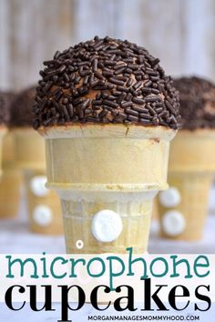 Microphone cupcakes are a musical treat to make for your little singer. With simple steps and no real baking skills needed. How To Make Cupcakes, Desserts To Make, Healthy Desserts, Simple Cupcakes, Canned Frosting, Frosting Recipes, Real Food Recipes, Dessert Recipes, Yummy Food