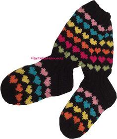 (Varoitus: paljon kuvia)     Ei, en ole kuollut, enkä ole lopettanut bloggaamista. Olen vain ollut kiireinen. Siis TODELLA kiireinen. Tein ... Wool Socks, Knitting Socks, Knitting Projects, Mittens, Knit Crochet, Gloves, Winter, Baby, Inspiration