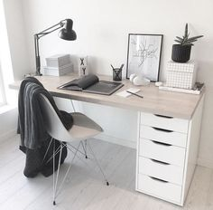 3 Easy And Cheap Useful Ideas: Minimalist Kitchen Tiles Counter Tops warm minimalist home coffee tables.Minimalist Home Office Life minimalist bedroom loft simple. Home Office Design, Home Office Decor, Home Decor, Desk Office, Work Desk Decor, Cute Desk Decor, Office Setup, Workspace Inspiration, Desk Inspo