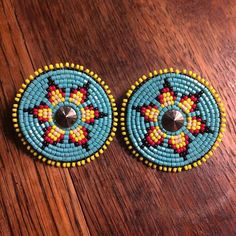 Can't go wrong with fire colours and turquoise Beaded Earrings Patterns, Seed Bead Earrings, Beading Patterns, Beaded Brooch, Hoop Earrings, Native Beadwork, Native American Beadwork, Native American Jewelry, Native American Crafts
