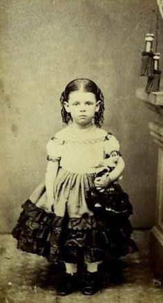 1860 Circa Carte De Visite Photo Girl With