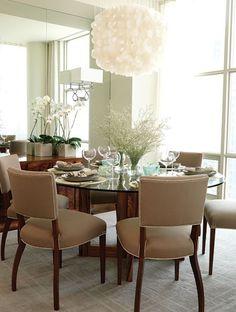 Une salle à manger chaleureuse et élégante - Sarah Richardson love it  #Home #DiningRoom ༺༺  ❤ ℭƘ ༻༻