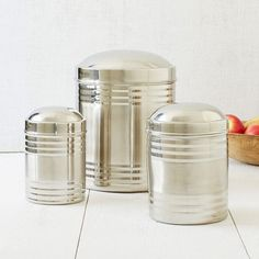 High sheen and easy to clean, these Stainless Steel Containers are ideal sizes for storing sugar, grains and snacks.