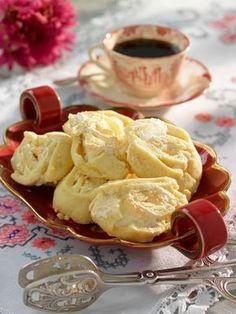 En underbar liten kaka. Namnet, jitterbuggare kommer från dansen Jitterbug eller Lindy hop, som ursprungsnamnet var, som blev väldigt populär på 1930–40-talen.