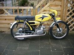 Flandria SPORT Small Motorcycles, Vintage Motorcycles, 50cc Moped, Bike Style, Classic Bikes, Vintage Bikes, Scooters, Motorbikes, Harley Davidson