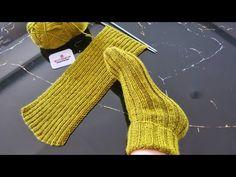 TÜM AYAK NUMARALARI İÇİN BAY BAYAN ÇORAP PATİK YAPIMI!! İKİ ŞİŞ İLE ÇORAP BOT PATİK MODE VE YAPILIŞI - YouTube Baby Knitting Patterns, Knitting For Kids, Loom Knitting, Knitting Socks, Free Knitting, Knitting Projects, Chevron Crochet, Crochet Circles, Knit Shoes