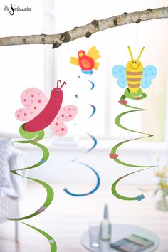 Things maker paper spirals spring - Kids' Crafts for Diy and Crafts Easy Toddler Crafts, Easy Crafts, Diy And Crafts, Paper Crafts, Diy Gifts For Kids, Crafts For Girls, Kids Crafts, Valentine Day Crafts, Christmas Crafts