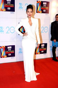 Zee Cine Awards 2013: Esha Gupta