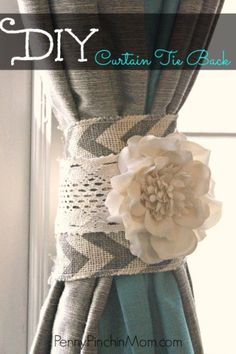Diy curtain tie back ppm. Looking for a cute shabby chic to tie those curtains back? This DIY Curtain Tie Back is not only a beautiful addition to your rooms decor, it is also insanely easy to make! Diy Living Room Decor, Shabby Chic Living Room, Shabby Chic Bedrooms, Shabby Chic Kitchen, Shabby Chic Homes, Shabby Chic Decor, Diy Home Decor, Country Chic Decor, Kitchen Country