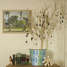 DIY Holiday Decorations   The Beachcomber's Tree   CoastalLiving.com