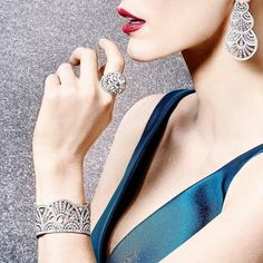 When having great jewelry is a one of the highlights of your entire life! Piaget's @piaget Sunny Side of Life Collection in earrings ring and bracelet! Enjoy the sunny side of life indeed!  #purplebyanki #diamonds #luxury #loveit #jewelry #jewelrygram #jewelrydesigner #love #jewelrydesign #finejewelry #luxurylifestyle #instagood #follow #instadaily #lovely #me #beautiful #loveofmylife #dubai #dubaifashion #dubailife #mydubai #piaget #ring #earrings #bracelet #suite #sunnysideoflife