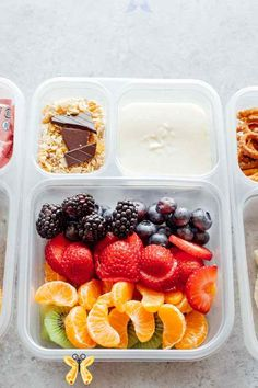 Healthy Vegan Back to School Lunchbox Ideas - NeuroticMommy  <br> *Recipe comes with video tutorial (see above)* These incredibly easy vegan lunches are perfect for both kids and adults alike! Making these will save you time, nourish you and your children all while being fun and delicious! Easy Vegan Lunch, Vegan Lunches, Vegan Lunch For School, Work Lunches, School Lunches, Healthy Homemade Snacks, Healthy Recipes, Healthy Meals, Detox Recipes