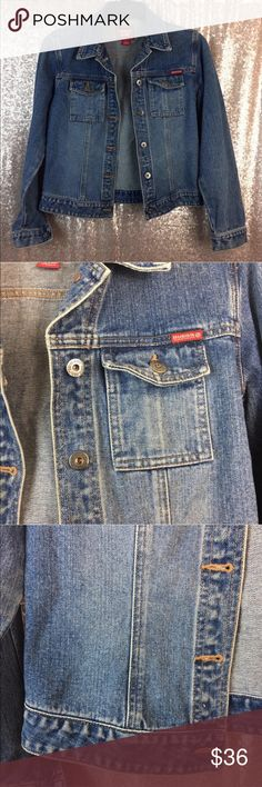 """Guess Jeans Vintage 90s Denim Jacket Guess Jeans Authentic Womens Jean Jacket Denim Vintage 90s Size S/P   Gently Worn, Excellent Condition!    Measurements Laying Flat: Length: 23"""" Armpit to Armpit: 17"""" Sleeve Length: 24"""" Guess Jackets & Coats Jean Jackets"""