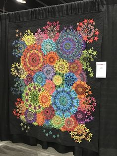 Millefiore Circle Quilts, Hexagon Quilt, Quilting Projects, Quilting Designs, Millefiori Quilts, Paper Pieced Quilt Patterns, Kaleidoscope Quilt, Flower Quilts, Kaleidoscopes