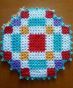 Piercings, Moda Emo, Diy And Crafts, Blanket, Crochet, Instagram, Tela, Scrappy Quilts, Crochet Doilies