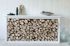 firewood storage and creative firewood rack ideas for indoor. Lots of great building tutorials and DIY-friendly inspirations! Indoor Log Storage, Indoor Firewood Rack, Firewood Holder, Log Store Indoor, Stacking Firewood, Wood Store, Into The Woods, Scandinavian Home, Wood Boxes