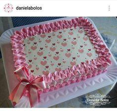 Bolo de coraçãozinho. Cake Icing, Buttercream Cake, Cupcake Cakes, Fancy Cakes, Cute Cakes, 50th Anniversary Cakes, Heart Wedding Cakes, 80 Birthday Cake, Butter Icing