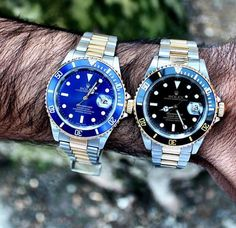 Blue 👈 or 👉 black? Which Rolex Submariner do you prefer? Let me know your opinion below! 👇 Photo by: Watches For Men Unique, Rolex Watches For Men, Fine Watches, Luxury Watches, Dream Watches, Rolex Submariner Blue, Mens Watch Brands, Authentic Watches, Amazing Watches