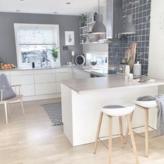 """Good morning sweethearts. ❤️ Here's another kitchen ideas, love the grey colour tho! #interior123_kitchen Credit: @moniithe"""