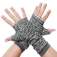 Gloves | Fingerless gloves with text from classic books - Storiarts