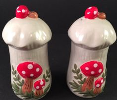VTG Retro Ceramic Merry Mushroom Salt & Pepper Shakers Red White Cute! Rare!