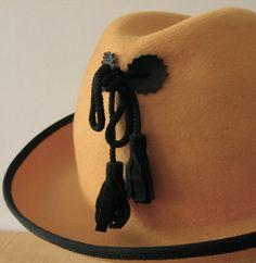 // felt hat