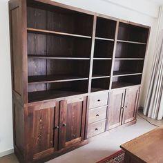 Henry's House (@henryshousemortsel) • Instagram-foto's en -video's Bookcase, Shelves, House, Instagram, Home Decor, Pictures, Shelving, Decoration Home, Home