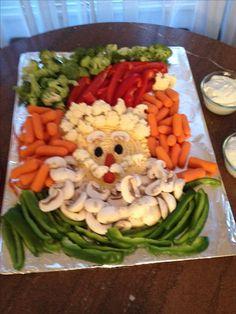 Yummy veggie tray with a mushroom beard! Christmas Buffet, Christmas Party Food, Xmas Food, Christmas Cooking, Veggie Platters, Food Trays, Veggie Tray, Vegetable Trays, Yummy Veggie
