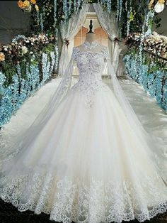 Luxury wedding gowns with cape beaded ball gown short sleeves high neckine lace vestido de noiva princesa real photos - Banana Stocks Wedding Dress Train, Top Wedding Dresses, Applique Wedding Dress, Princess Wedding Dresses, Bridal Dresses, Wedding Gowns, Lace Wedding, Diamond Wedding Dress, Wedding Gown Ballgown