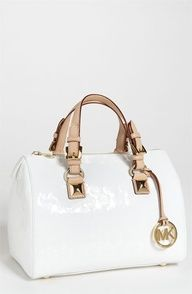 Bolsa branca.