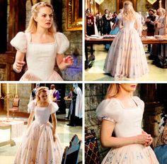Jennifer Morrison as Emma, Once Upon A Time Ouat, Once Upon A Time, Fashion Tv, Fashion Design, Gala Dresses, Wish You Are Here, Jennifer Morrison, Best Shows Ever, Costume Design