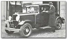 1930 DODGE BROTHERS EIGHT, DC: Despite the Depression, Dodge unveiled its first L-head eight-cylinder engine, in a 114-inch wheelbase car. The straight eight had a displacement of 220.7 cubic inches and was equipped with a downdraft carburetor. Another Dodge line, the Six, had a 109-inch wheelbase, one of the shortest ever made by Dodge.