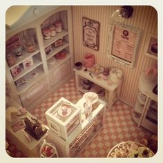 It's a miniature life...the most AMAZING mini site EVER...