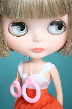 Love love love Blythe.  pinned by www.auntbucky.com  #blythe #doll #kids