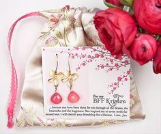 DIY Tutorial: Bridesmaids Jewelry Gift Set ~ Home Decorating Ideas Diy Jewellery Pouch, Jewelry Gifts, Diy Jewelry, Jewelry Pouches, Handmade Jewelry, Fashion Jewelry, Jewelry Ideas, Unique Jewelry, Bridesmaid Jewelry