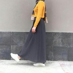 Pleated skirt for syar'i style