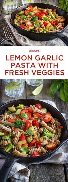 Lemon Garlic Pasta with Fresh Veggies  - delish! #pasta #healthy #recipes