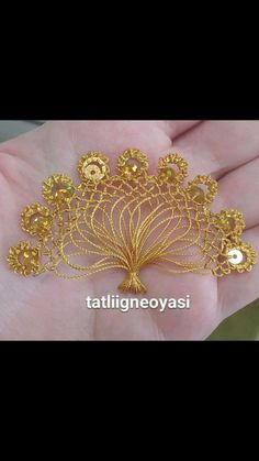 This Pin was discovered by Ayş Crochet Flowers, Crochet Lace, Free Crochet, Knit Edge, Passementerie, Needle Lace, Tatting, Needlework, Embroidery Designs