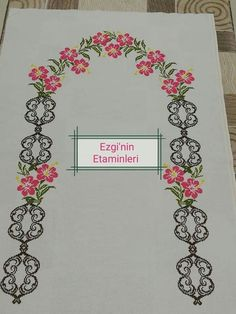 This post was discovered by Sandra Dorman Discover (and save!) your own Posts on Unirazi - Salvabrani Cross Stitch Borders, Cross Stitch Designs, Prayer Rug, 1940s, Crochet, Cross Stitch Patterns, Towels, Hand Embroidery, Roses