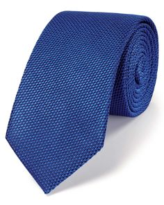 Buy our Royal blue silk classic plain slim tie exclusively from Charles Tyrwhitt of Jermyn Street, London. Charles Tyrwhitt, Slim Tie, Royal Blue, Style Inspiration, Silk, Classic, Stuff To Buy, Neckties, Costumes