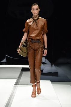 View the complete Tod's Spring 2017 collection from Milan Fashion Week.