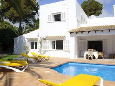 Private pool, barbecue, 200 mtrs from the beach. Holiday villa for rent from £1414/PW with the added security of our fraud protection.