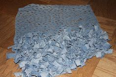 easy denim rug idea; no sew. (easy tutorial)