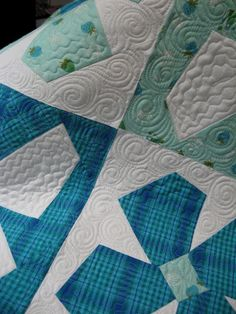 Love the quilting on this Spring Fever quilt; pattern by Buggy Barn