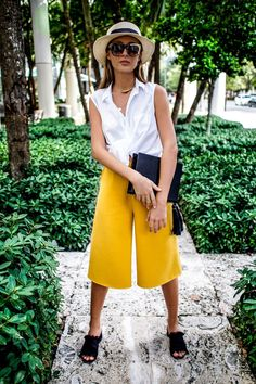 miami style outfit by fashion blogger Tanya Litkovska. More on HIDEMYCOAT blog