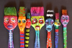 Brush Folk by Dawna Kinne Magliacano - Find them on my etsy site soon., Brush Folk by Dawna Kinne Magliacano - Find them on my etsy site soon. Paint Brush Art, Paint Brushes, Diy Home Crafts, Arts And Crafts, Recycled Art Projects, Found Object Art, Funky Art, Painted Sticks, Art Plastique