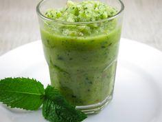 Smoothie vert: pomme concombre menthe