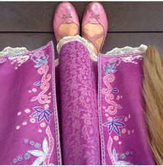 Rapunzel dress detail and shoes Rapunzel Cosplay, Tangled Costume, Rapunzel Dress, Disney Rapunzel, Tangled Rapunzel, Princess Rapunzel, Disney Princess Dresses, Disney Cosplay, Princess Aesthetic