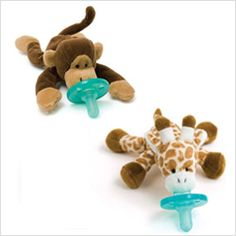 Wubbanubs - just one of our favorite baby products for newborns! Check out the full post for the complete list!